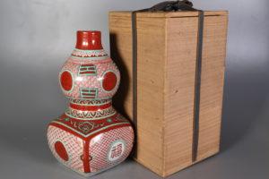 平安陶隠造 九谷古赤絵写瓢型福字花瓶
